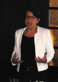 Dr. Carola Burkert